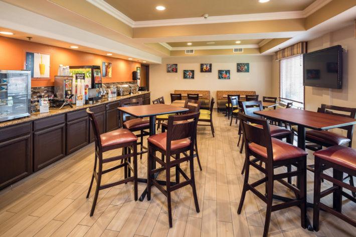 Best Western Plus Airport Inn & Suites Oakland Hotel Breakfast Room