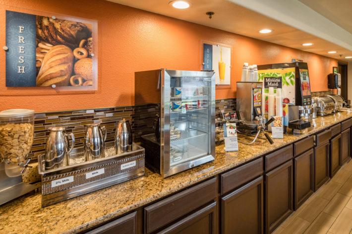 Best Western Plus Airport Inn & Suites Oakland Hotel Breakfast Room 1