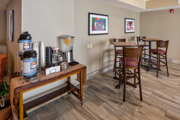 Best Western Plus Airport Inn & Suites Oakland Hotel Breakfast Room 3