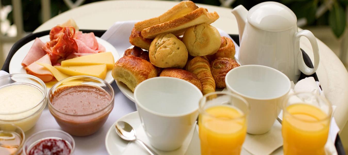 Best Western Plus Airport Inn & Suites Oakland Complimentary Breakfast