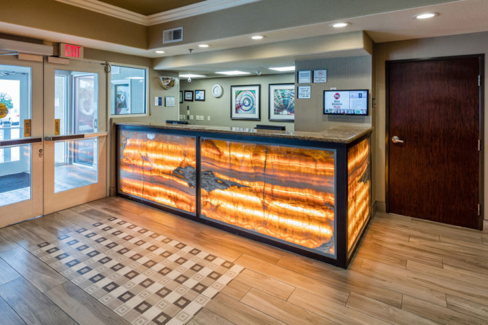 Best Western Plus Airport Inn & Suites Oakland Hotel Front Desk