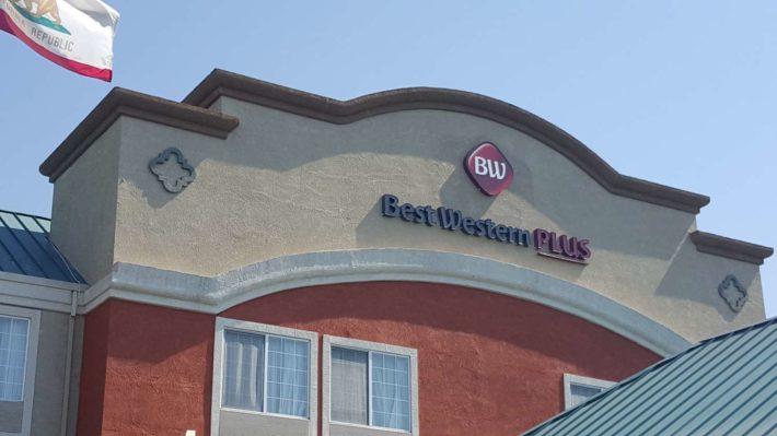 Best Western Plus Airport Inn & Suites Oakland Hotel Frontier2