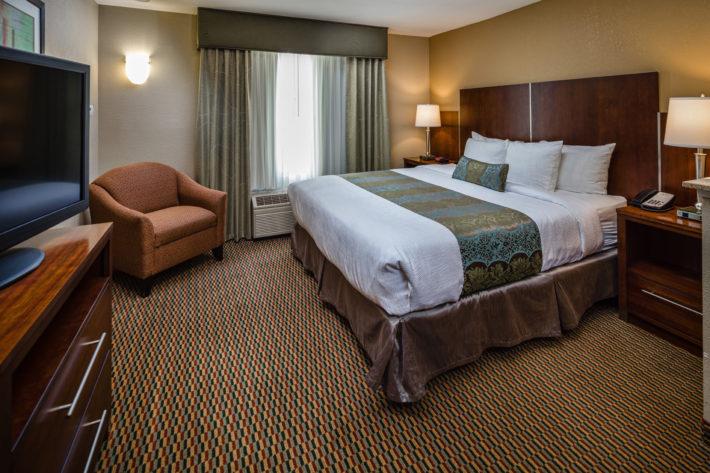 Best Western Plus Airport Inn & Suites Oakland Hotel King Standard Room 10