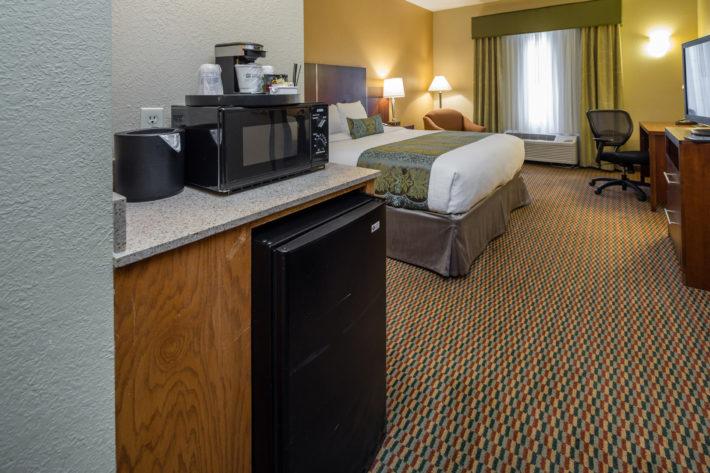 Best Western Plus Airport Inn & Suites Oakland Hotel King Standard Room 7