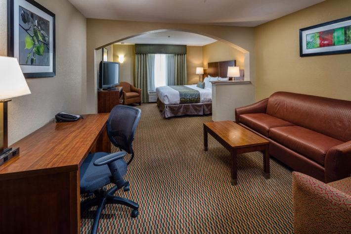 Best Western Plus Airport Inn & Suites Oakland King Standard Room 9
