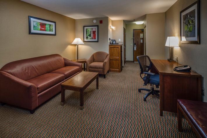 Best Western Plus Airport Inn & Suites Oakland Hotel King Suite Room 2