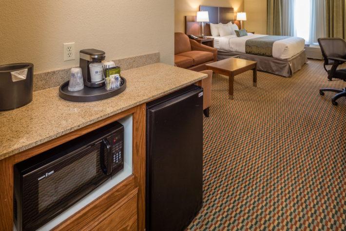 Best Western Plus Airport Inn & Suites Oakland Hotel King Suite Room 5