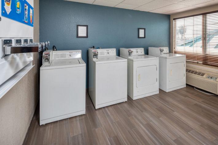 Best Western Plus Airport Inn & Suites Oakland Hotel Laundry Service