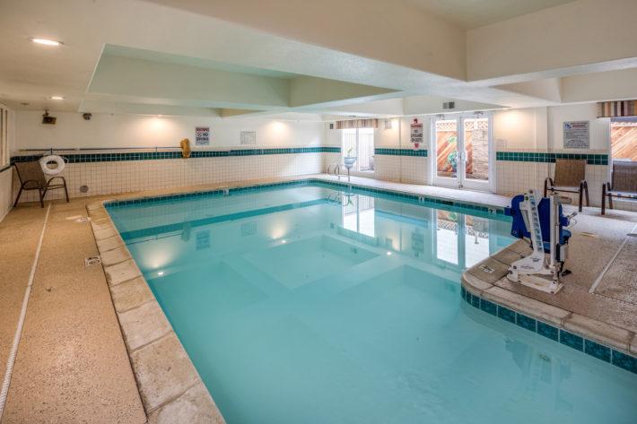 Best Western Plus Airport Inn & Suites Oakland Hotel Swimming Pool